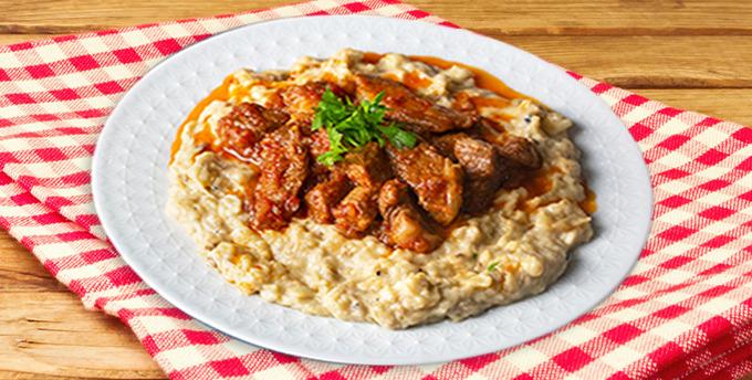 Karnıyarık ve domatesli bulgur pilavı