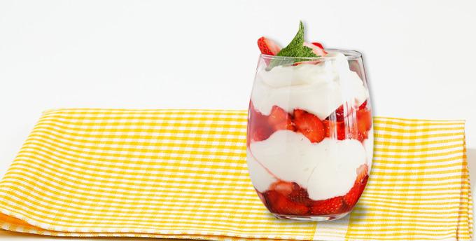Kuru kayısılı yoğurt